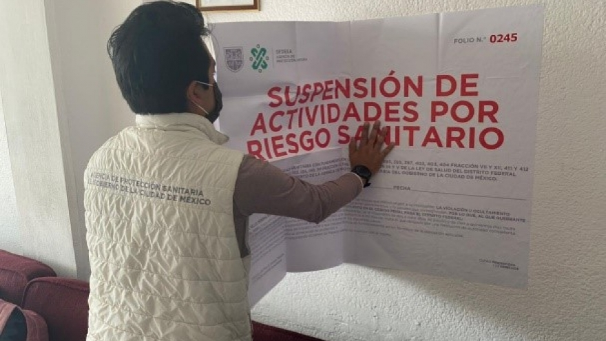 Suspensión de actividades en clínica médica por administración de medicamento caduco